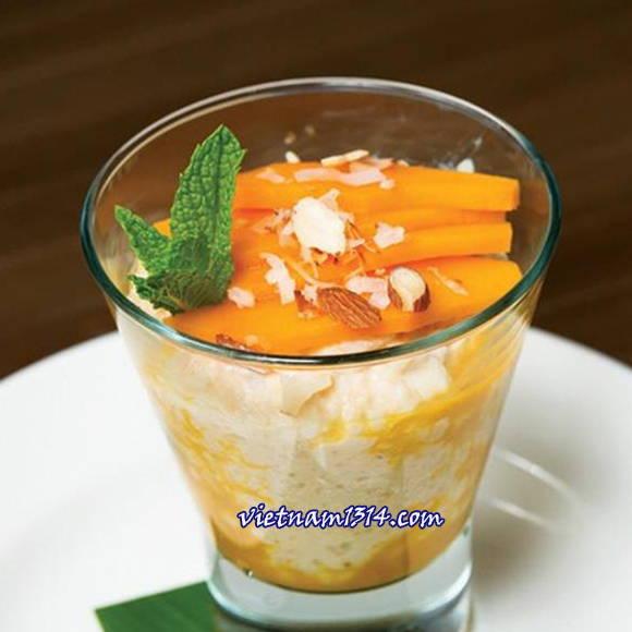 越南胡志明市夏季五種好吃的芒果冰品:椰子冰淇淋芒果